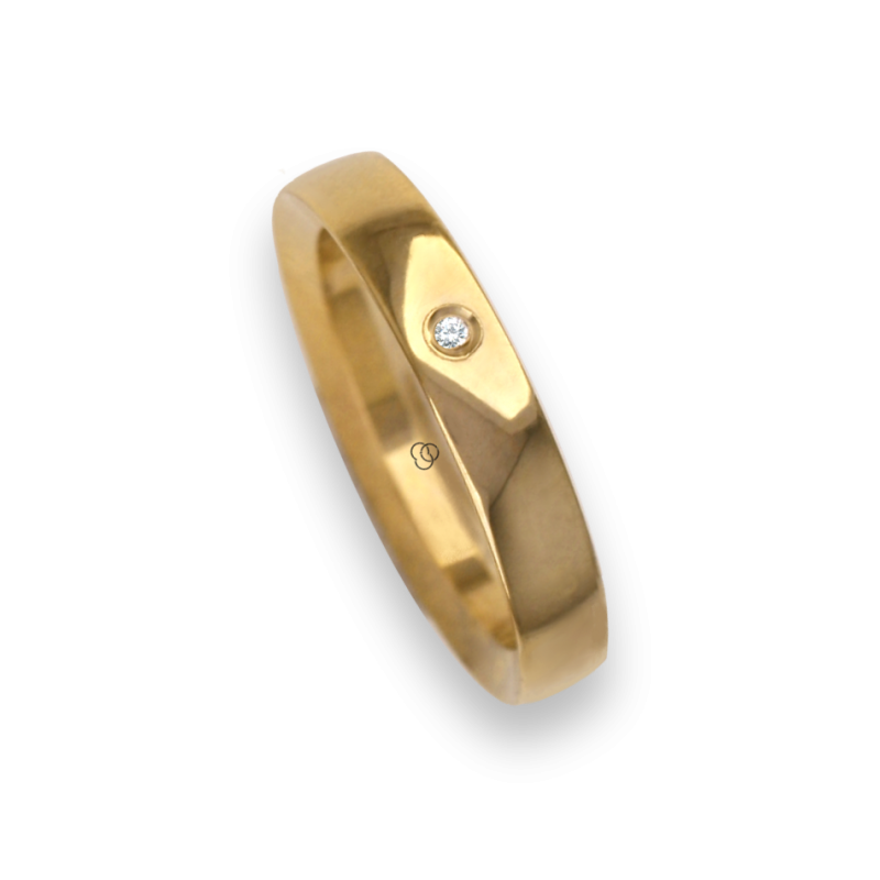 Ring / wedding ring 18 carat yellow gold flat surface internal bevelled edges one diamond model ag63179dw