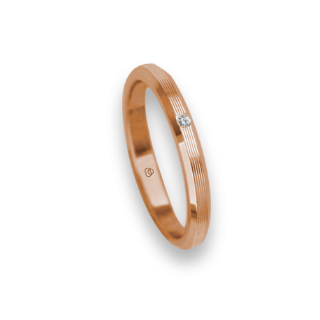 Ring / wedding ring 18 carat rose gold flat surface and striped bevelled edges one diamond model eb5287dw