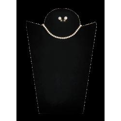 Collana e orecchini con perle