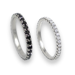 Wedding rings white gold with black and white diamonds the whole circumference model Champion