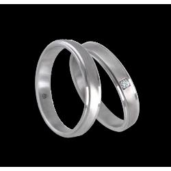 Пара обручальных колец из белого золота 18 карат с бриллиантом и центральной матовой вставкой модель lb53701