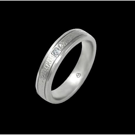 Anello in oro bianco 18 kt lucido finitura martellato con 1 diamante modello zb540334dw