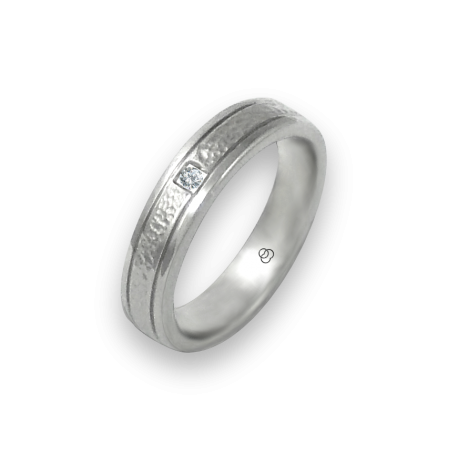 Ring in white gold 18k with 1diamond hammereb finish model zb540334dw