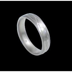 Кольцо из белого золота 18 карат матовое с тремя синусоидами модель bb059922ew