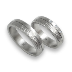 Unisex wedding rings in white gold18k hammered and polished finish model zb553234