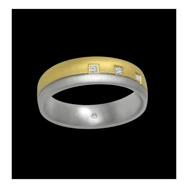 Anello oro giallo e bianco 18 kt finitura con piccole righe fatte a diamante tre diamanti modello mc252124dw