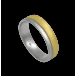Кольцо из желтого и белого золота 18 карат и отделкой с небольшими линиями mc252124dw