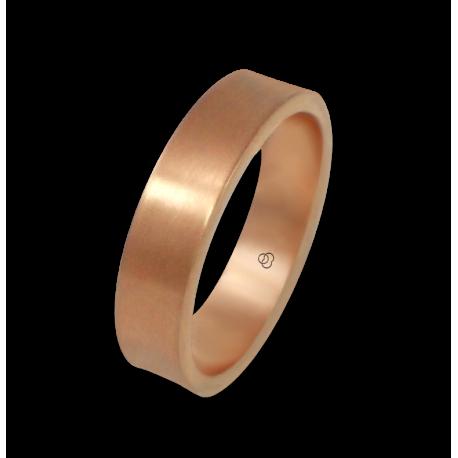Anello in oro rosa 18 kt superficie leggermente concava modello bq064434ew