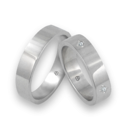 Unisex wedding rings in white gold 18k with and without diamond model 05406
