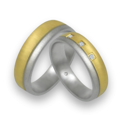 Wedding rings in white and yellow gold with 3 diamonds model mc252124