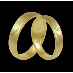 Пара обручальных колец из желтого золота 18 карат матовое с косыми полосами модель bg044822