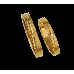 Обручальные кольца в 18К желтого золота с рифленой поверхностью шаблона eg5330