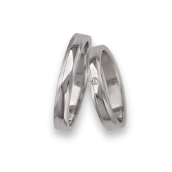 18 Кт Уайт золота обручальные кольца полированные и атлас по бокам алмазным узором kb5350