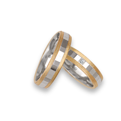 Wedding rings in yellow - white - yellow gold with lateral surface finish ice pattern model ji05372